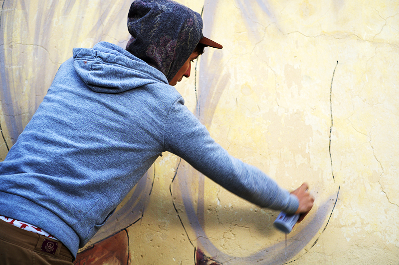 ernest-zacharevic-new-murals-for-memorie-urbane-festival-2014-05