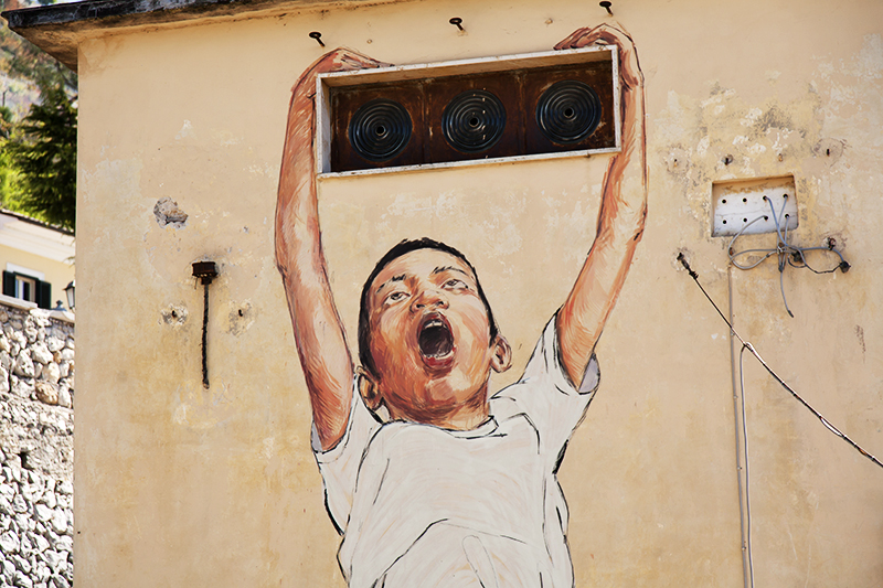 ernest-zacharevic-new-murals-for-memorie-urbane-festival-2014-14