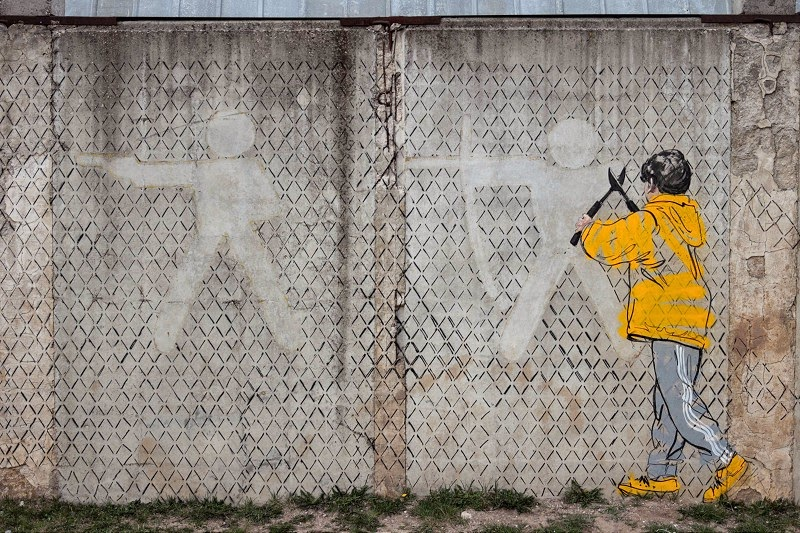 ernest-zacharevic-new-murals-in-kaunas-lithuania-02