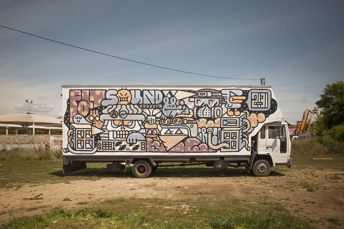 grito-new-mural-on-a-truck-01