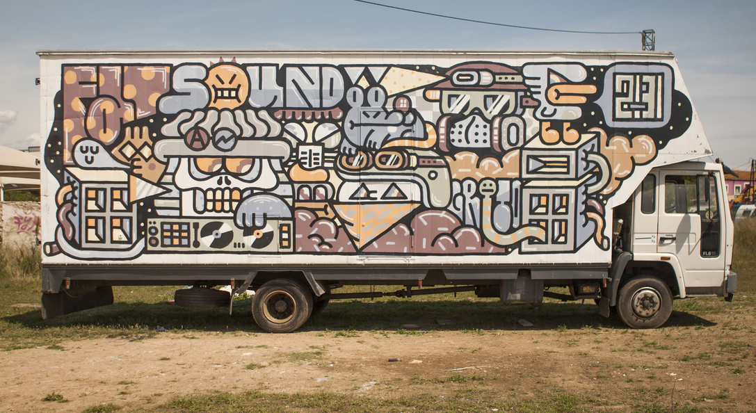 grito-new-mural-on-a-truck-02