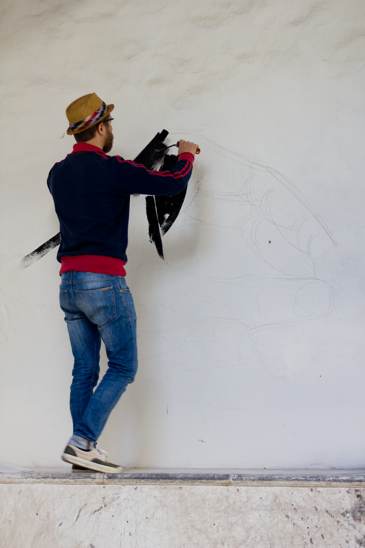 luca-font-show-at-bonobolabo-and-wall-painting-with-basik-07
