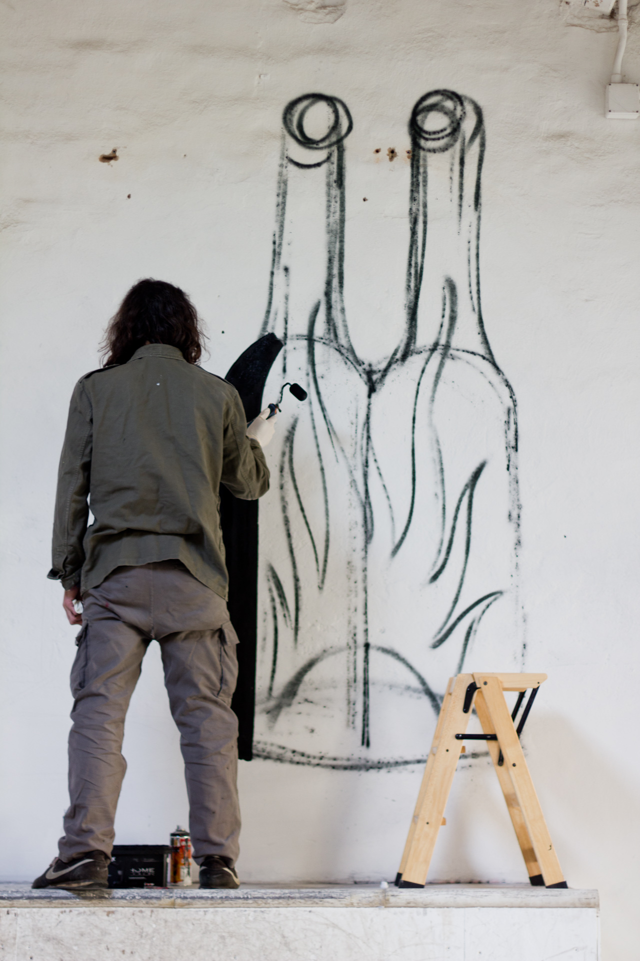 luca-font-show-at-bonobolabo-and-wall-painting-with-basik-08