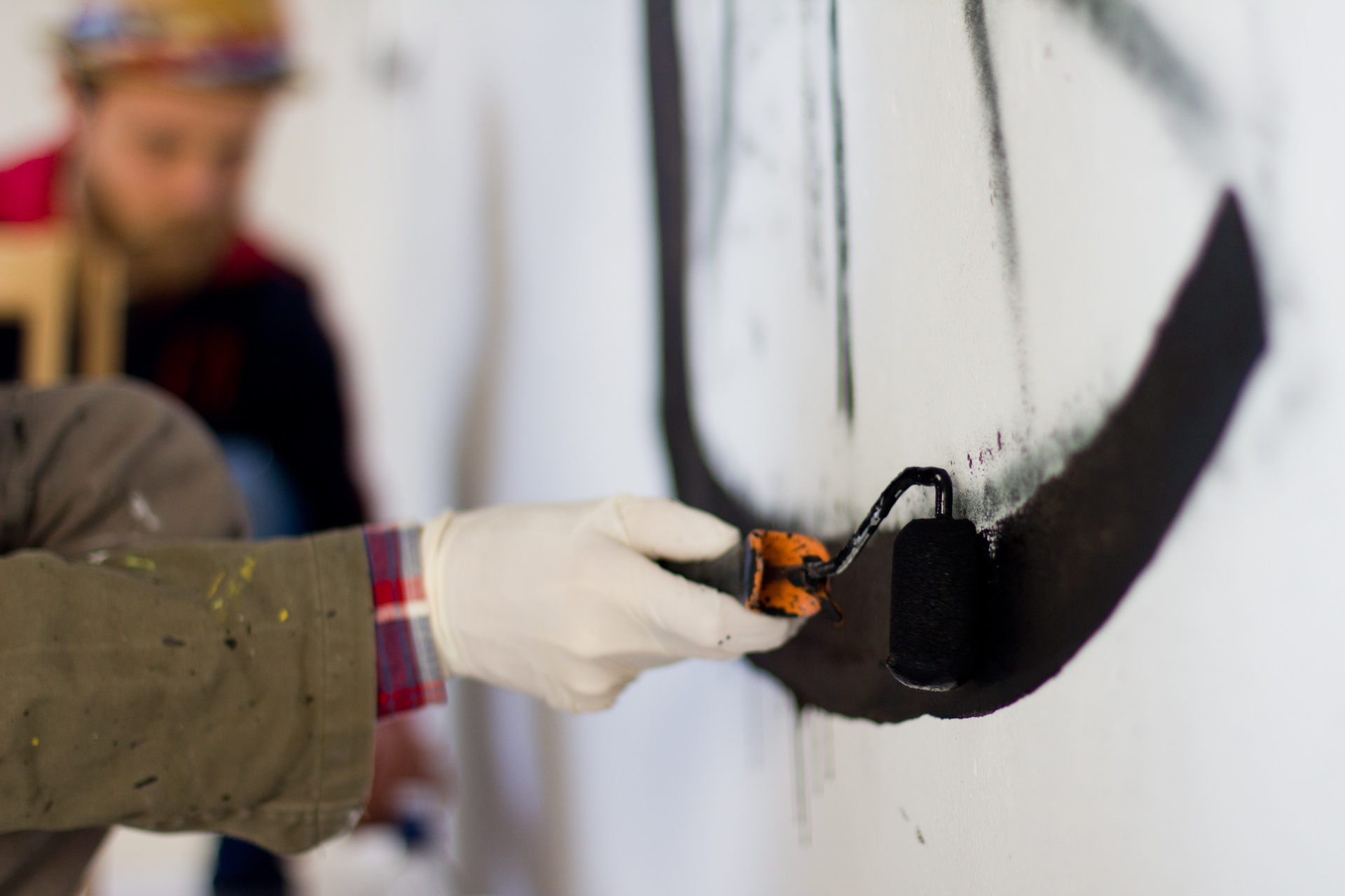 luca-font-show-at-bonobolabo-and-wall-painting-with-basik-09