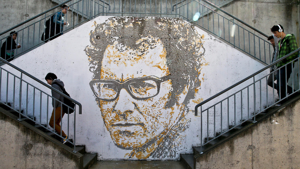 vhils-new-portrait-of-zeca-afonso-in-lisbon-portugal-01