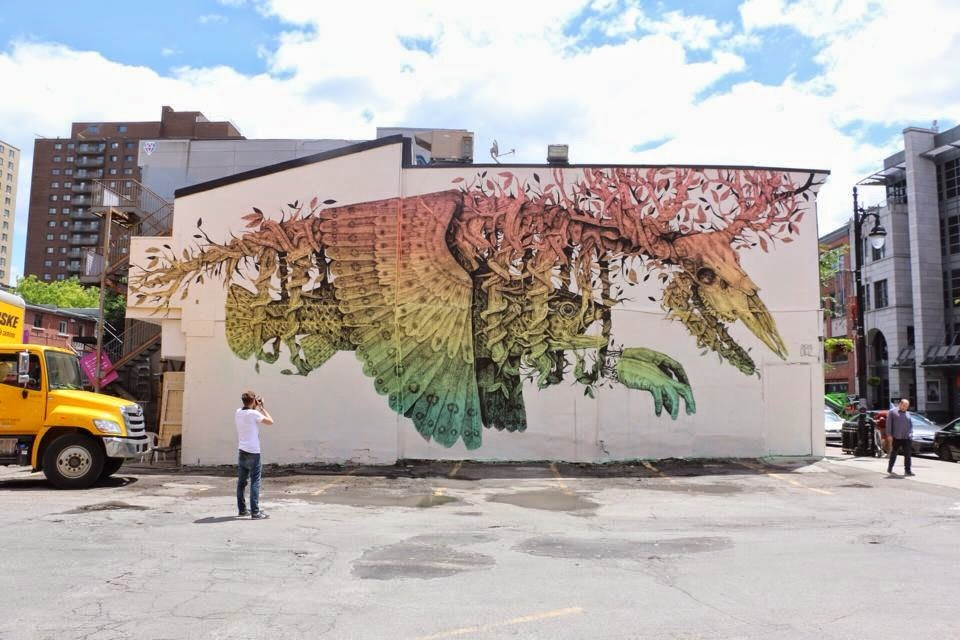 alexis-diaz-new-piece-at-mural-festival-2014-01