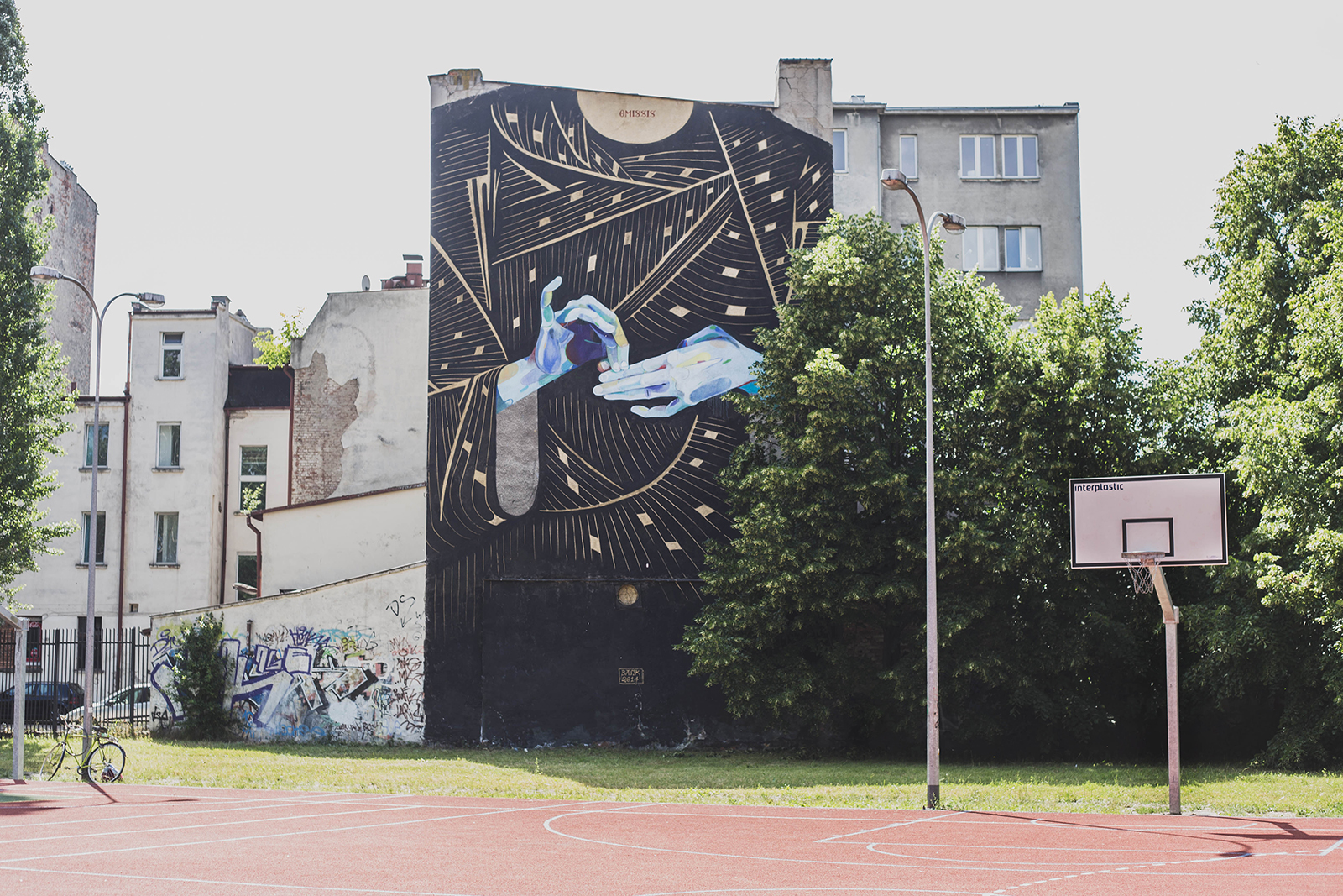 basik-new-mural-for-traffic-design-festival-2014-01