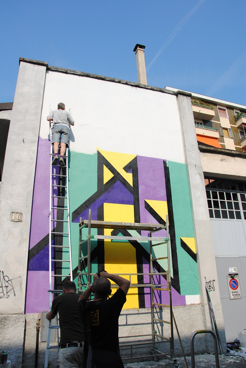 joys-new-mural-in-dergano-milano-02