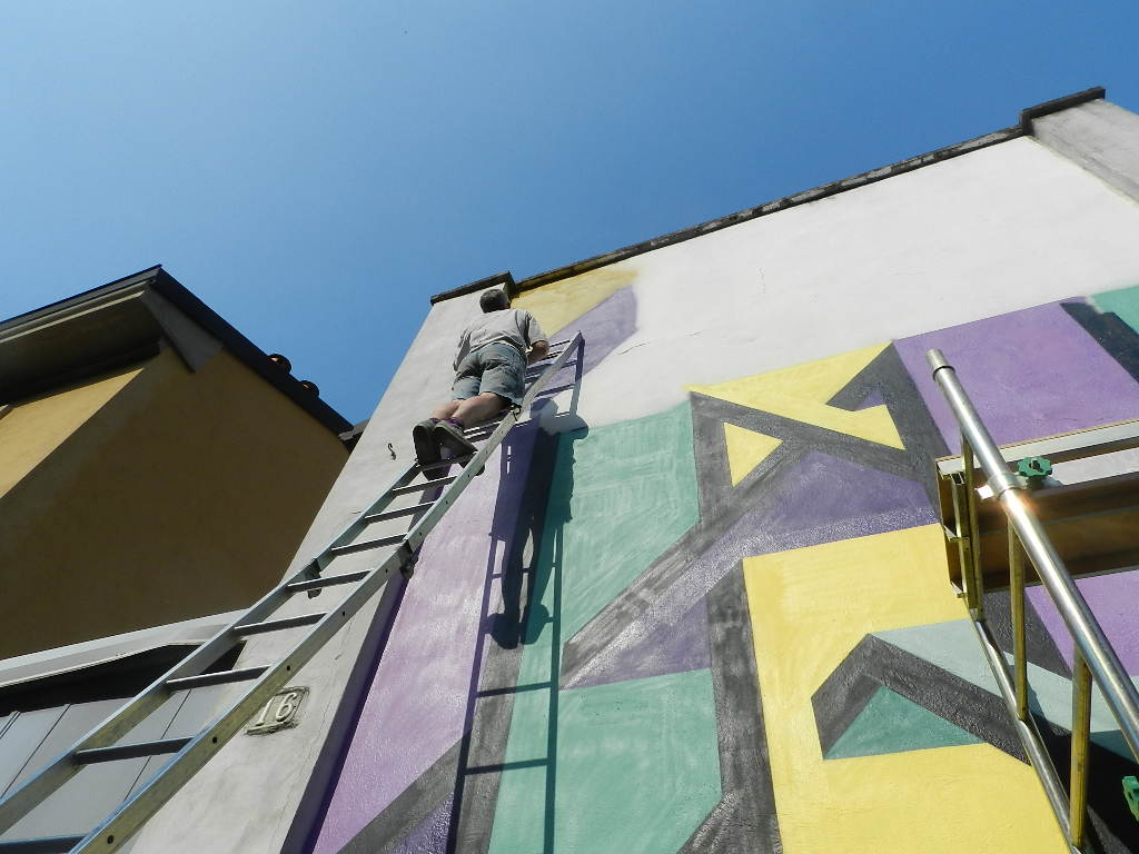 joys-new-mural-in-dergano-milano-04