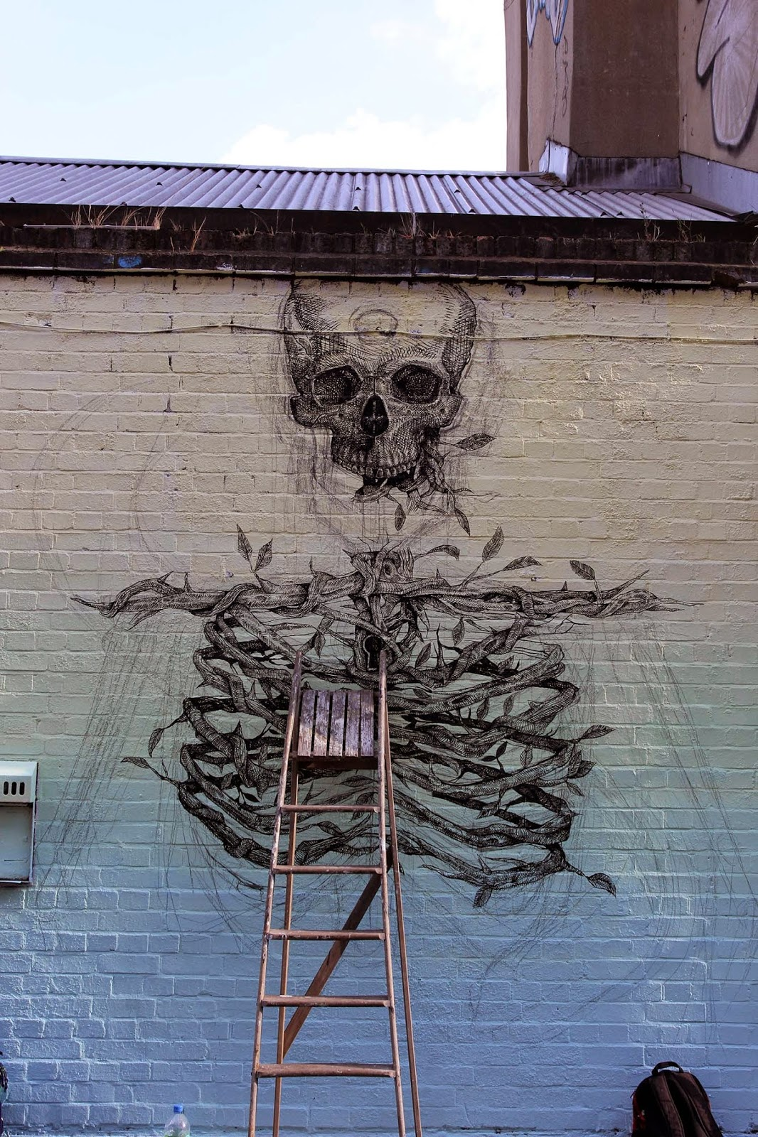 alexis-diaz-the-cage-new-mural-in-london-02