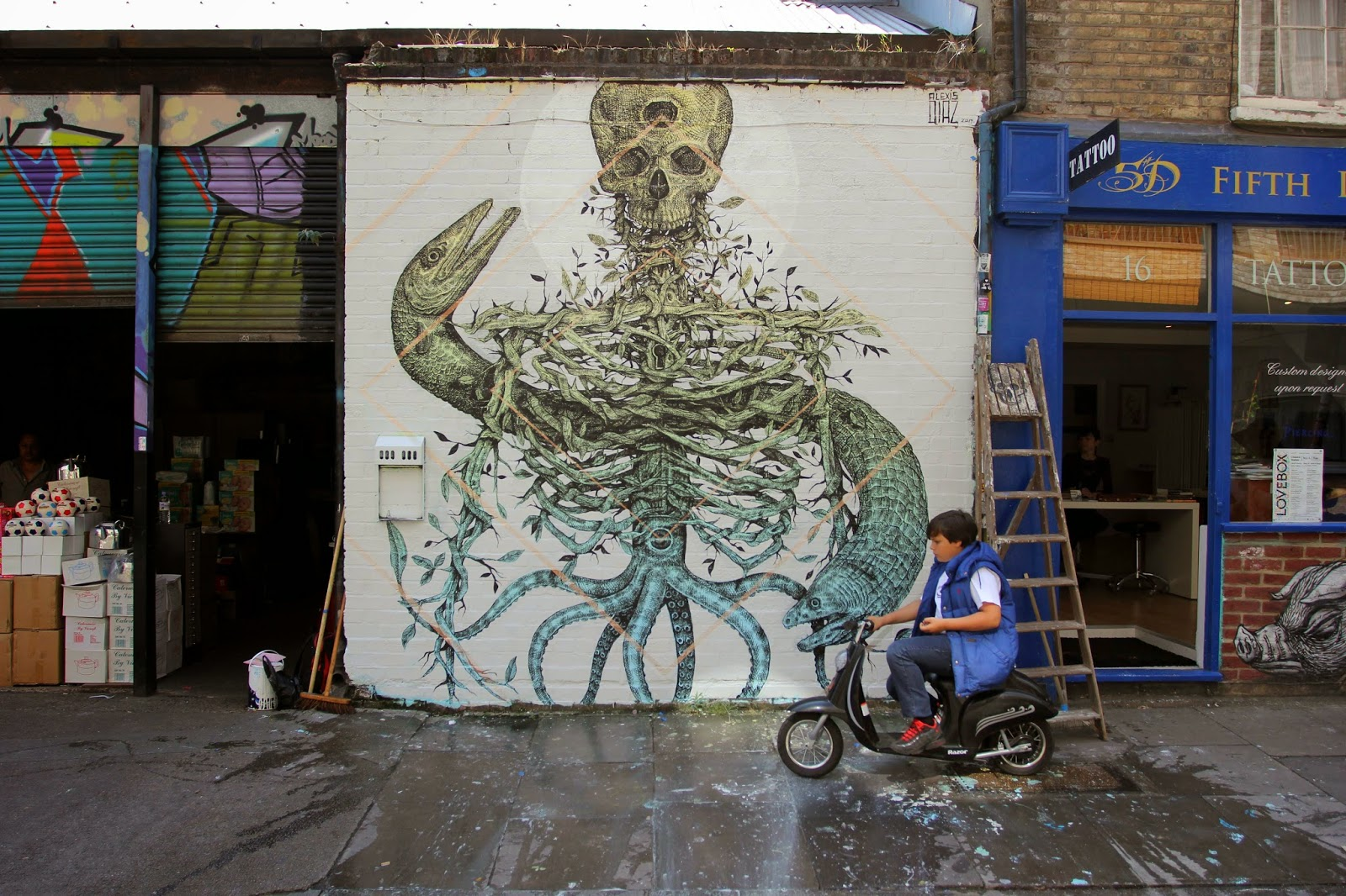 alexis-diaz-the-cage-new-mural-in-london-09