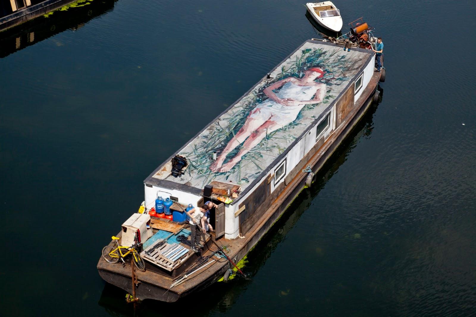 borondo-carmen-main-on-a-boat-01