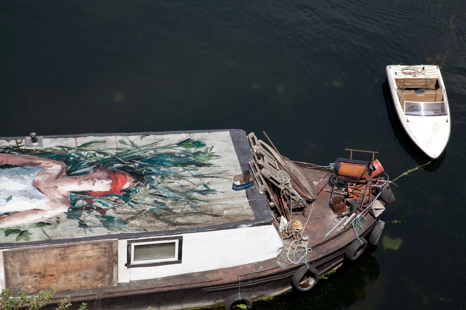 borondo-carmen-main-on-a-boat-03
