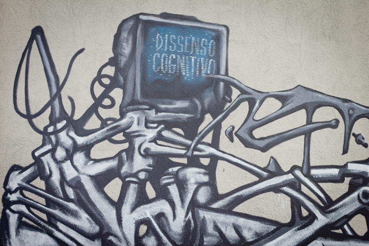 dissensocognitivo-for-subsidenze-street-art-festival-03