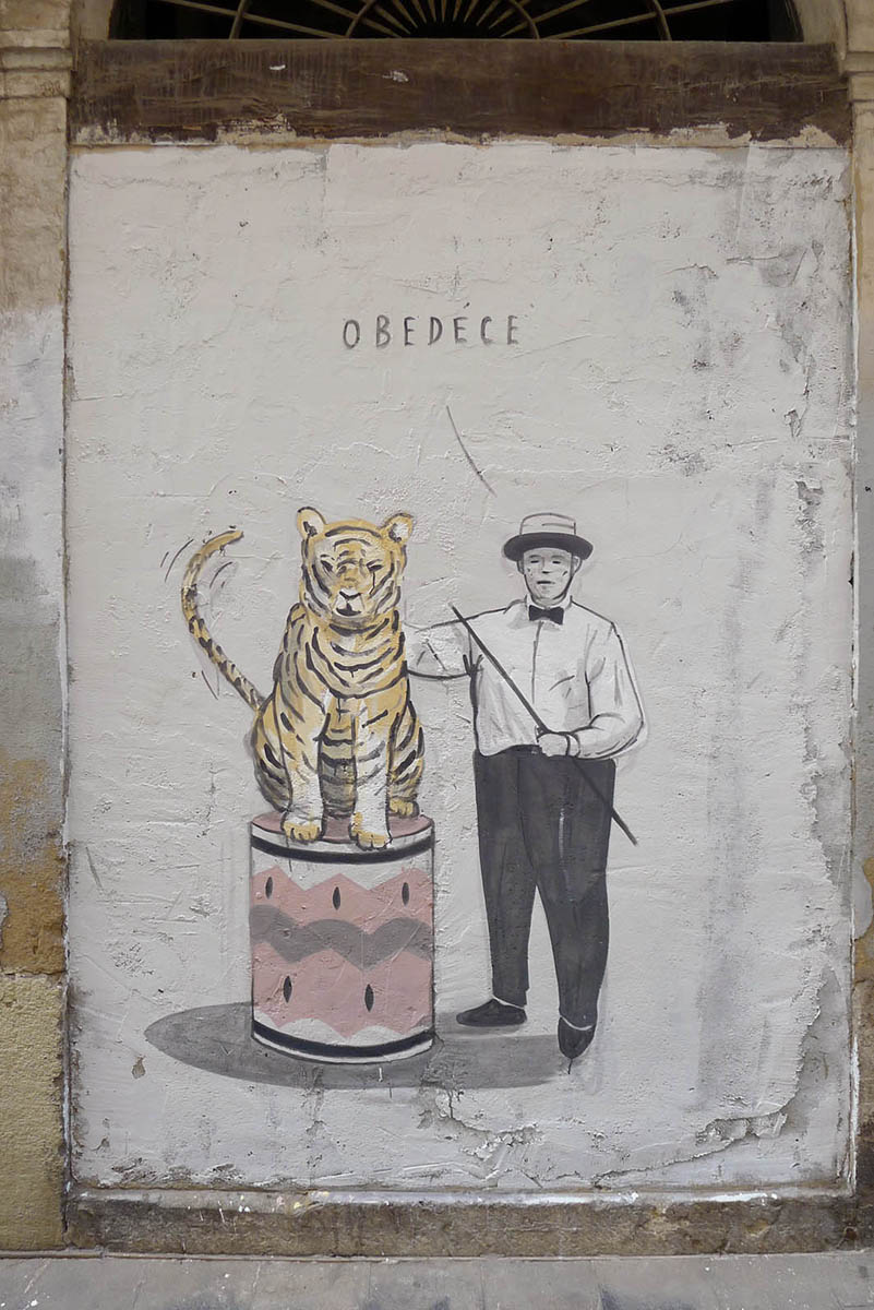 escif-obedece-new-mural-in-valencia-01