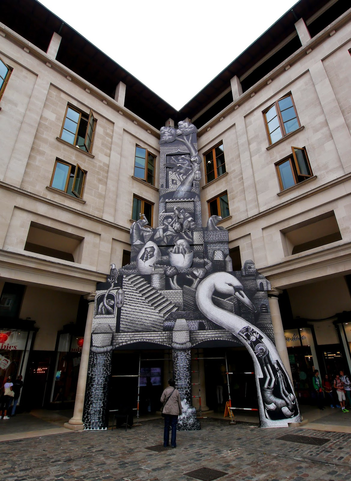 phlegm-for-the-royal-opera-house-london-02