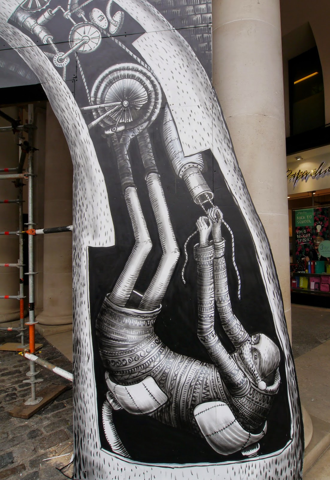 phlegm-for-the-royal-opera-house-london-05