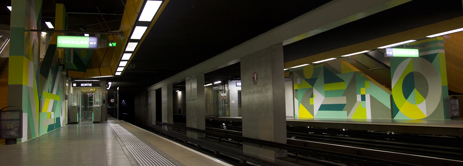 nelio-new-mural-at-station-mermoz-in-lyon-01