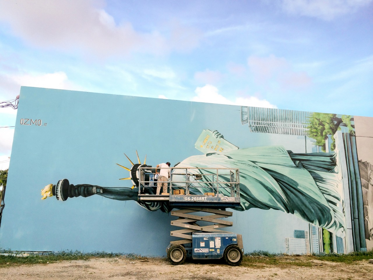 ozmo-new-mural-in-wynwood-miami-02