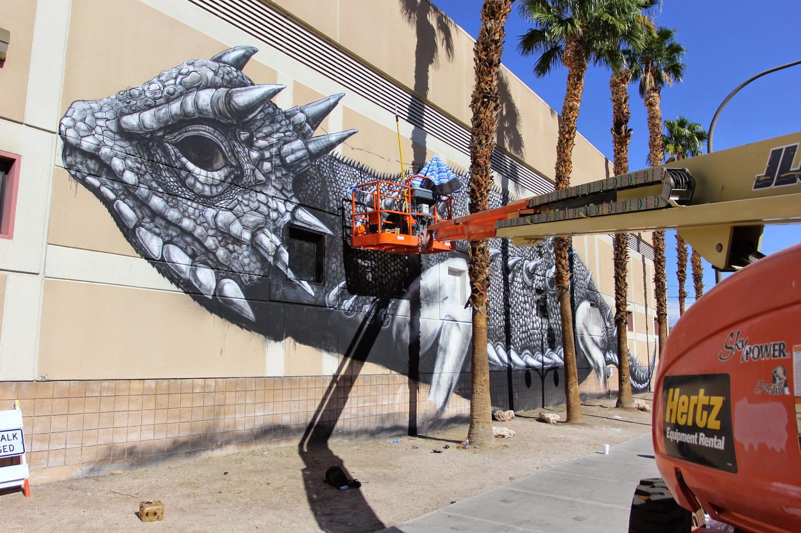 roa-new-mural-in-las-vegas-04