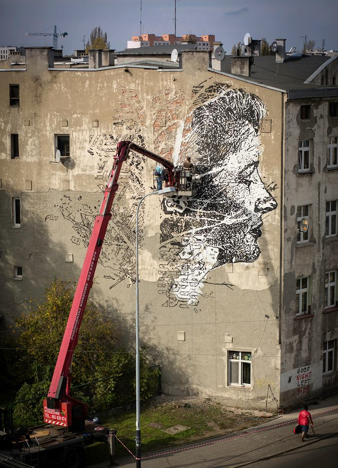 vhils-new-mural-for-galeria-urban-forms-02