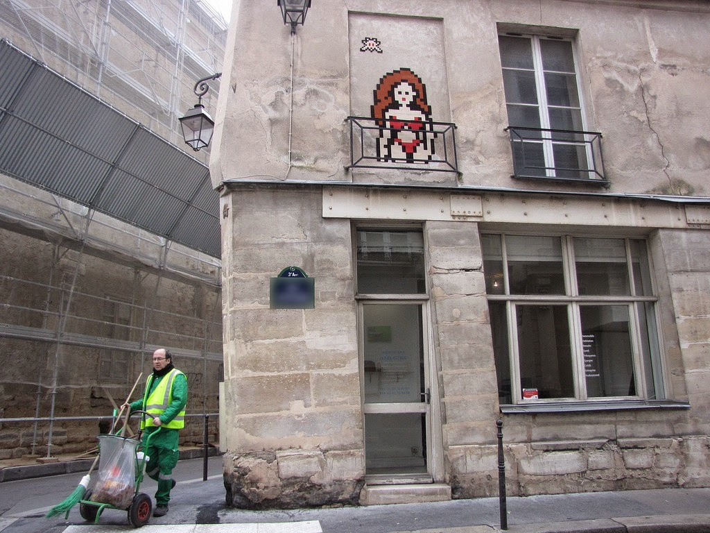 invader-a-series-of-new-pieces-in-paris-01