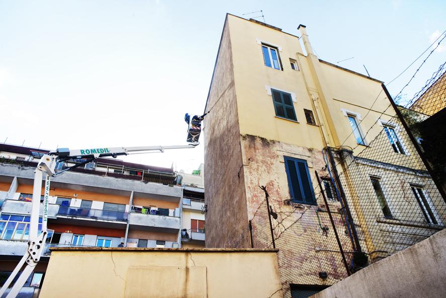 latlas-new-mural-in-torpignattara-rome-01