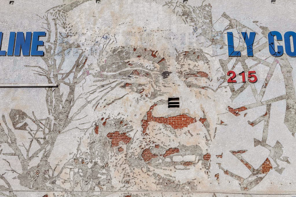 vhils-a-series-of-new-pieces-in-los-angeles-04