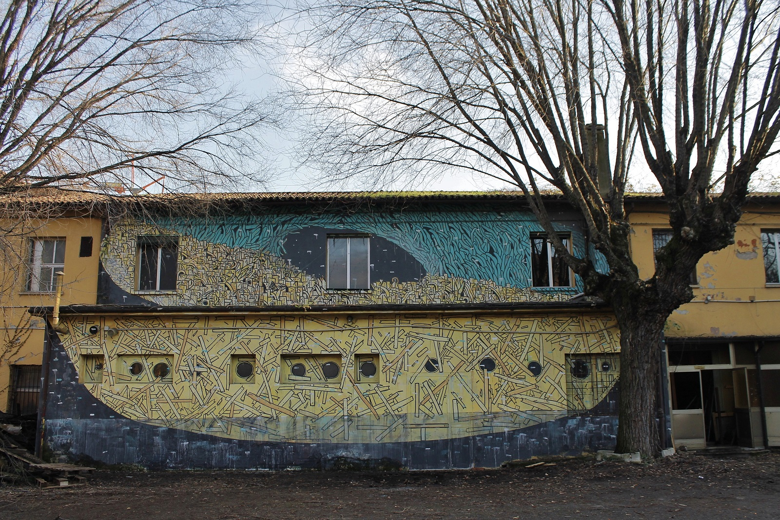 crisa-new-mural-at-labas-in-bologna-01