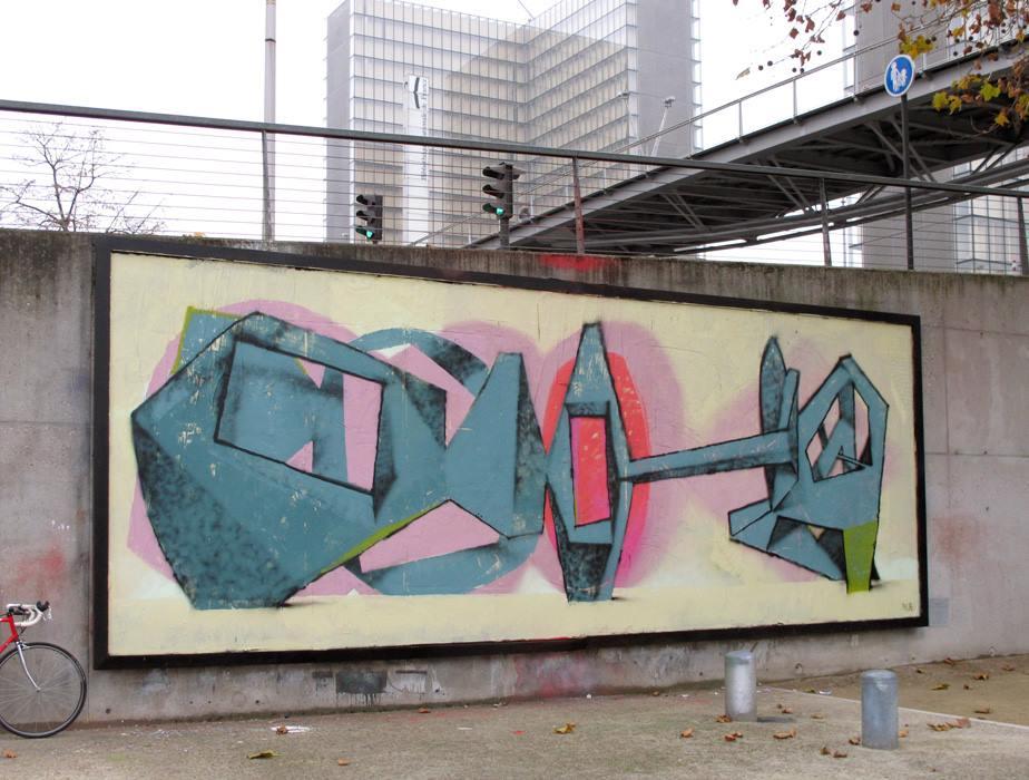 jeroen-erosie-new-piece-at-le-mur-xiii-04