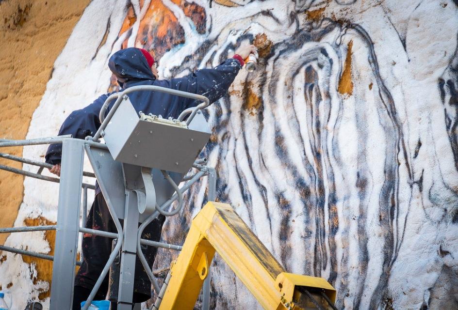 laguna-inside-usera-new-mural-in-madrid-05