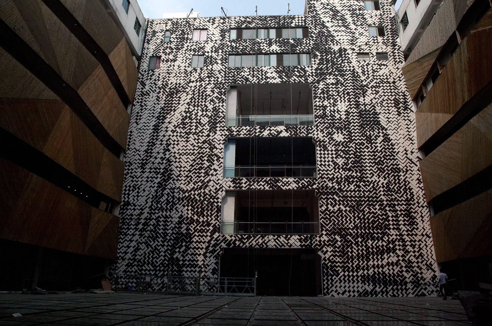 sten & lex-new-mural-in-shangai-01