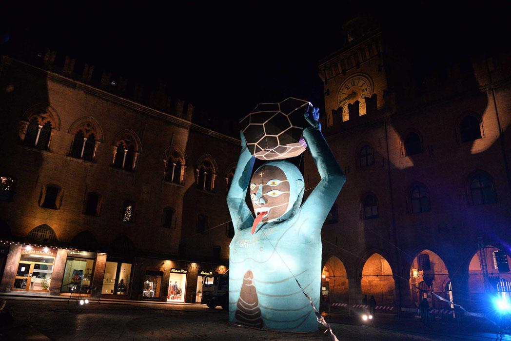 festa di fine anno in piazza maggiore