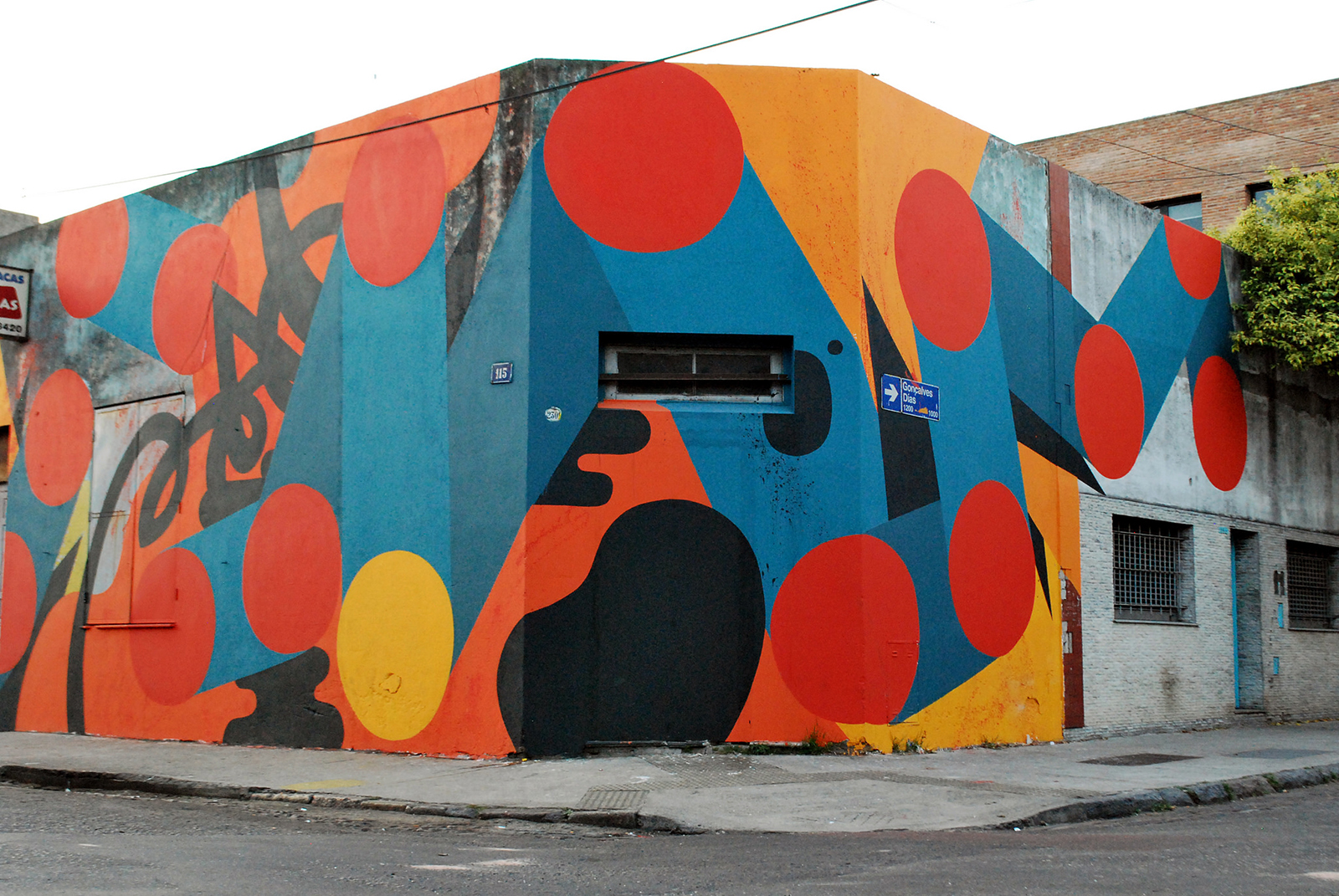 chu-new-mural-in-buenos-aires-02