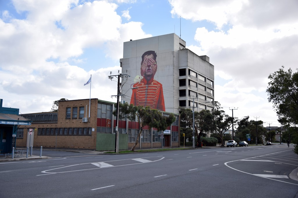 etam-cru-new-mural-in-port-adelaide-australia-06