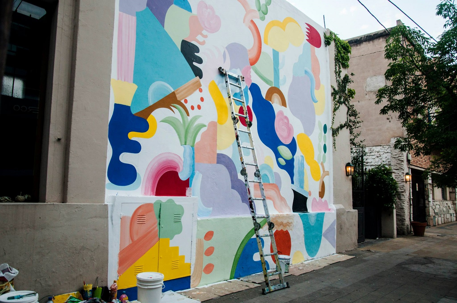 mina-hamada-new-mural-for-oficio-residence-08