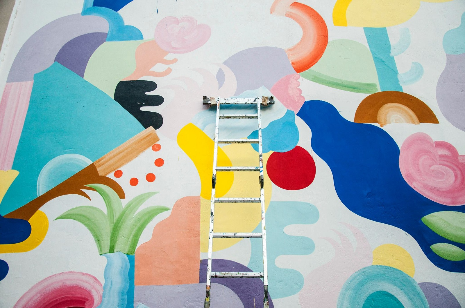 mina-hamada-new-mural-for-oficio-residence-10