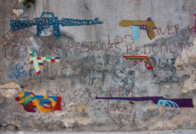 amor-guns-new-mural-02