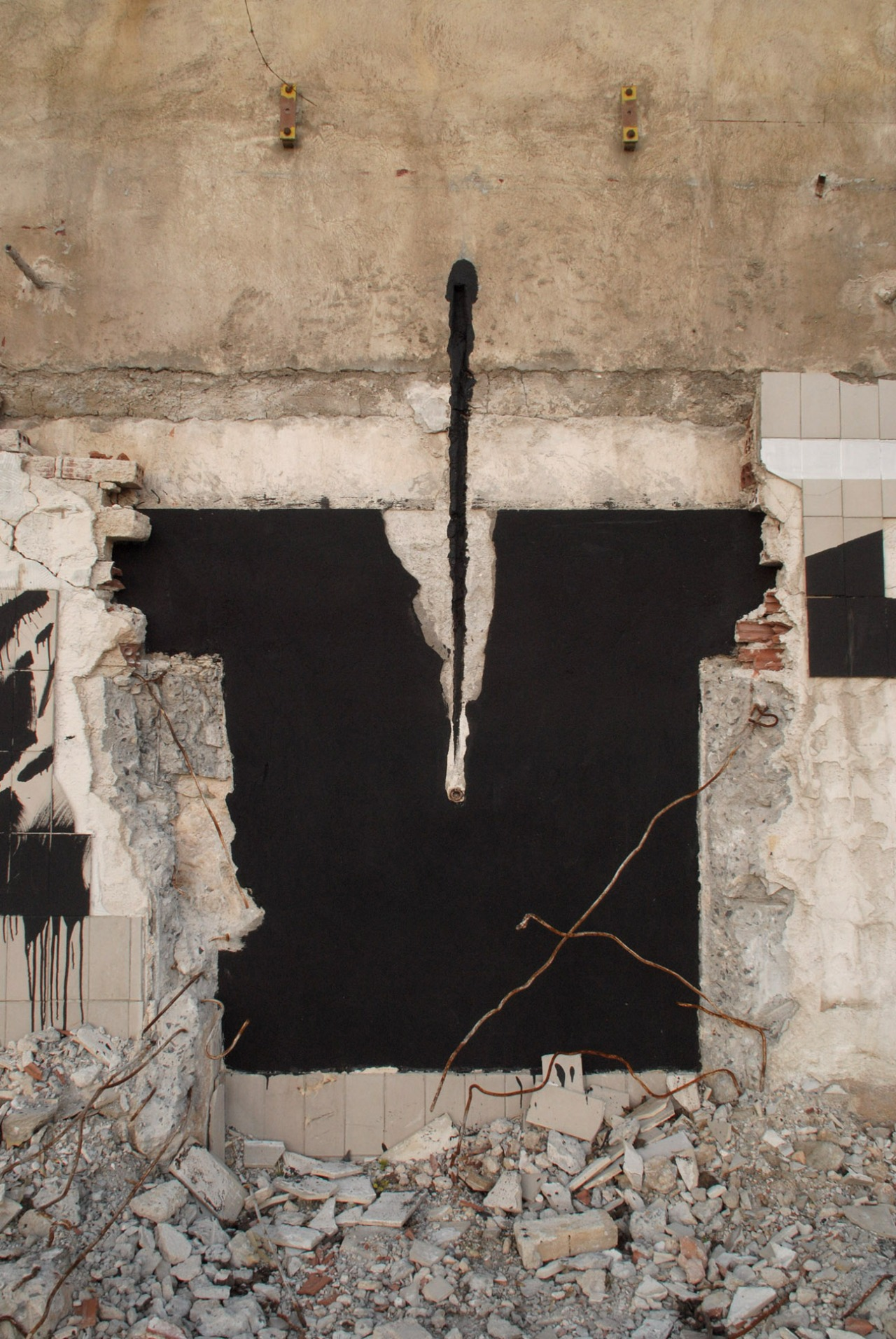 blaqk-new-mural-in-athens-greece-05