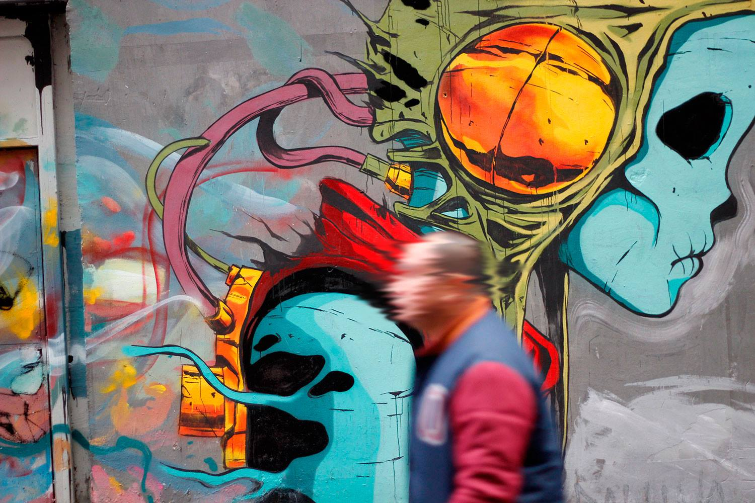 deih-laguna-new-mural-in-madrid-03