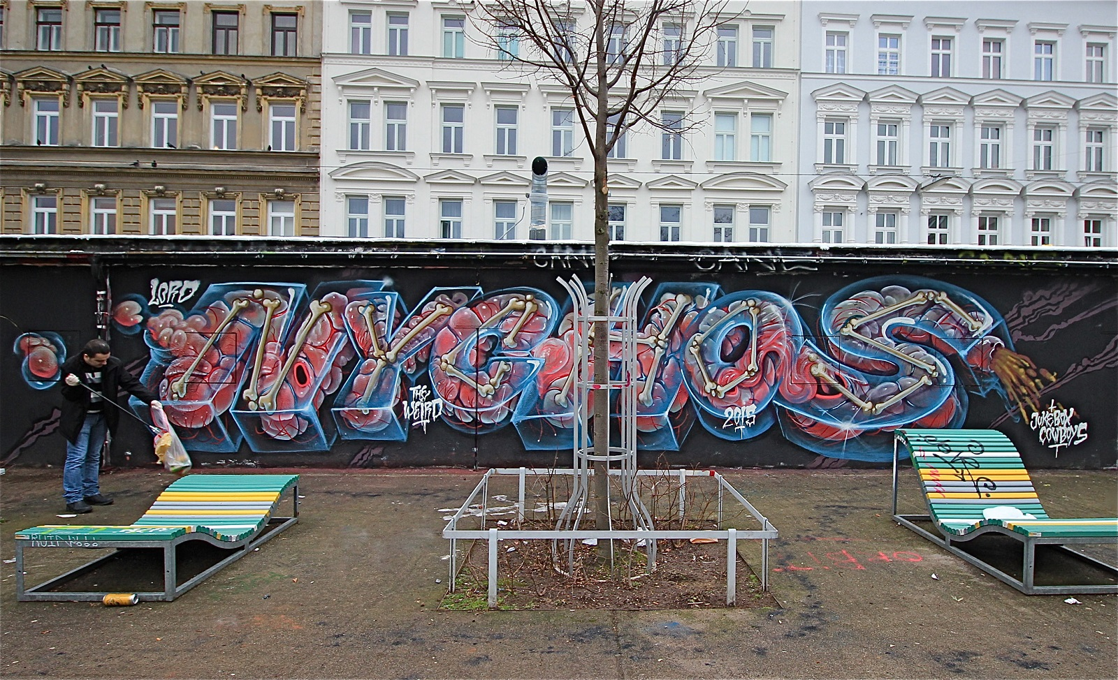 nychos-intestine-xray-blocky-new-mural-in-vienna-02