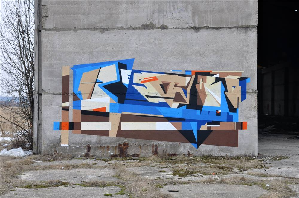petro-aes-slak-new-murals-in-moscow-russia-08