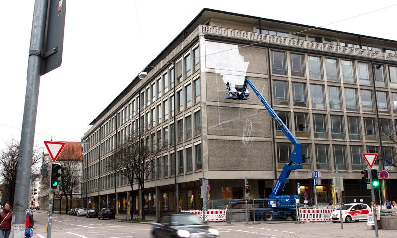 blu-new-mural-in-munich-02