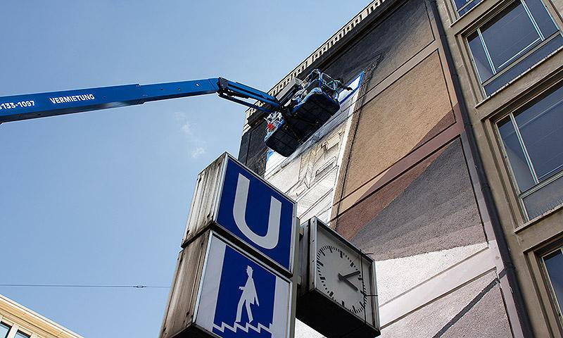 blu-new-mural-in-munich-07