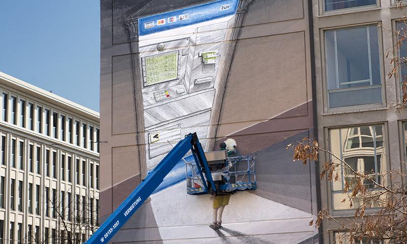blu-new-mural-in-munich-10