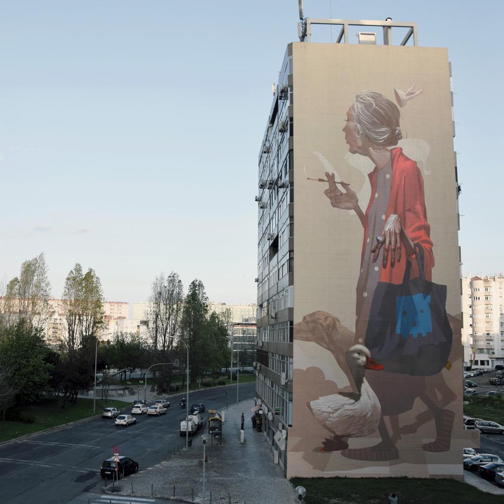 etam-cru-new-mural-in-lisbon-by-sainer-01