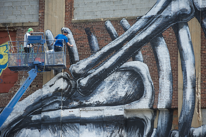 roa-new-mural-in-jersey-city-new-york-01