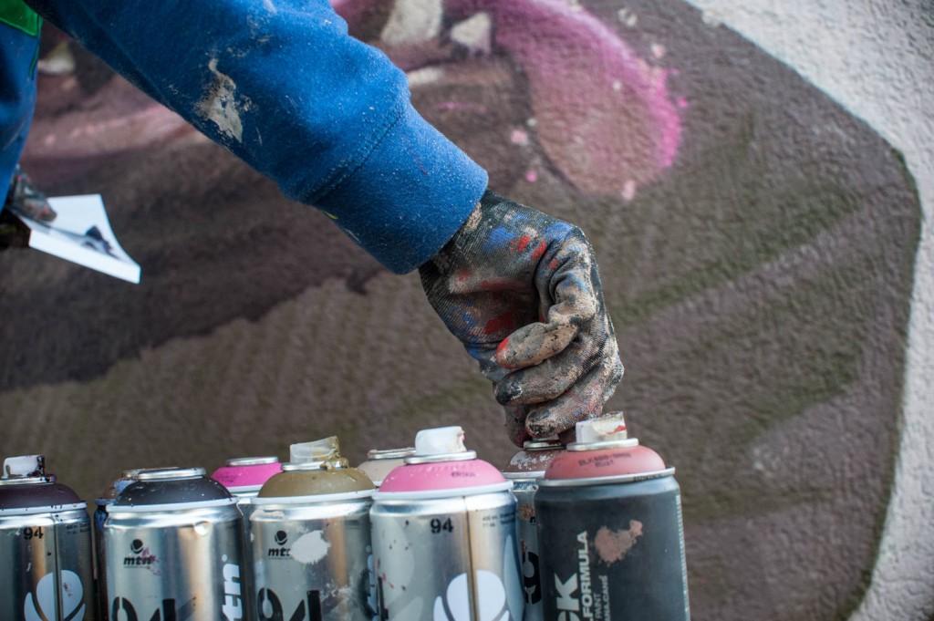 etam-cru-new-mural-in-krakow-by-sainer-06