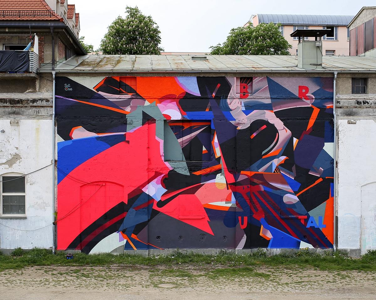 satone-brutal-new-mural-in-munich-01