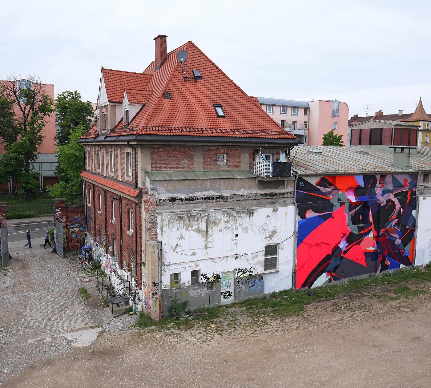 satone-brutal-new-mural-in-munich-03
